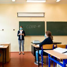 Schools reopening: 6 tips to help teachers wearing a face mask in class