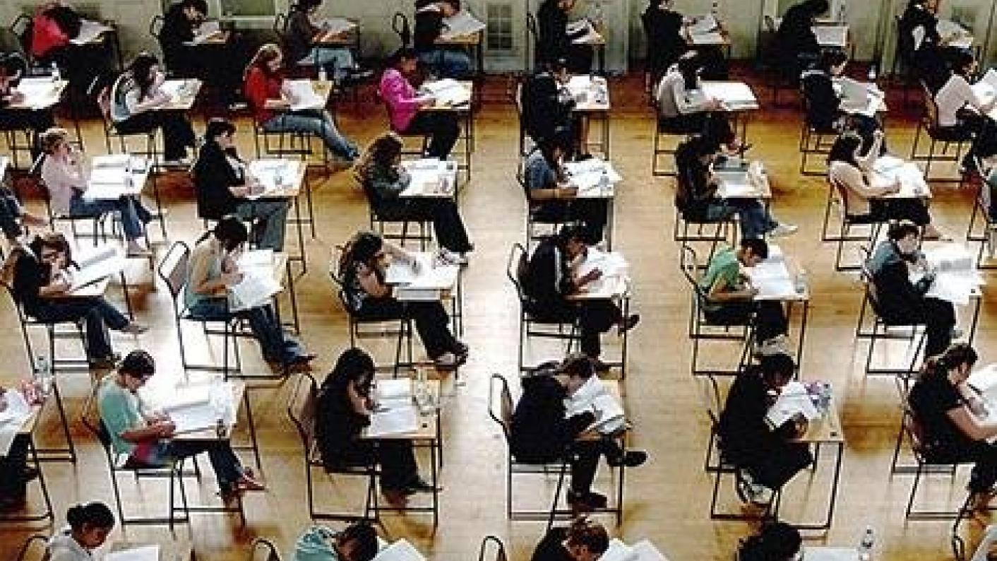 The number of reviews challenging GCSE marks increased this year, figures show