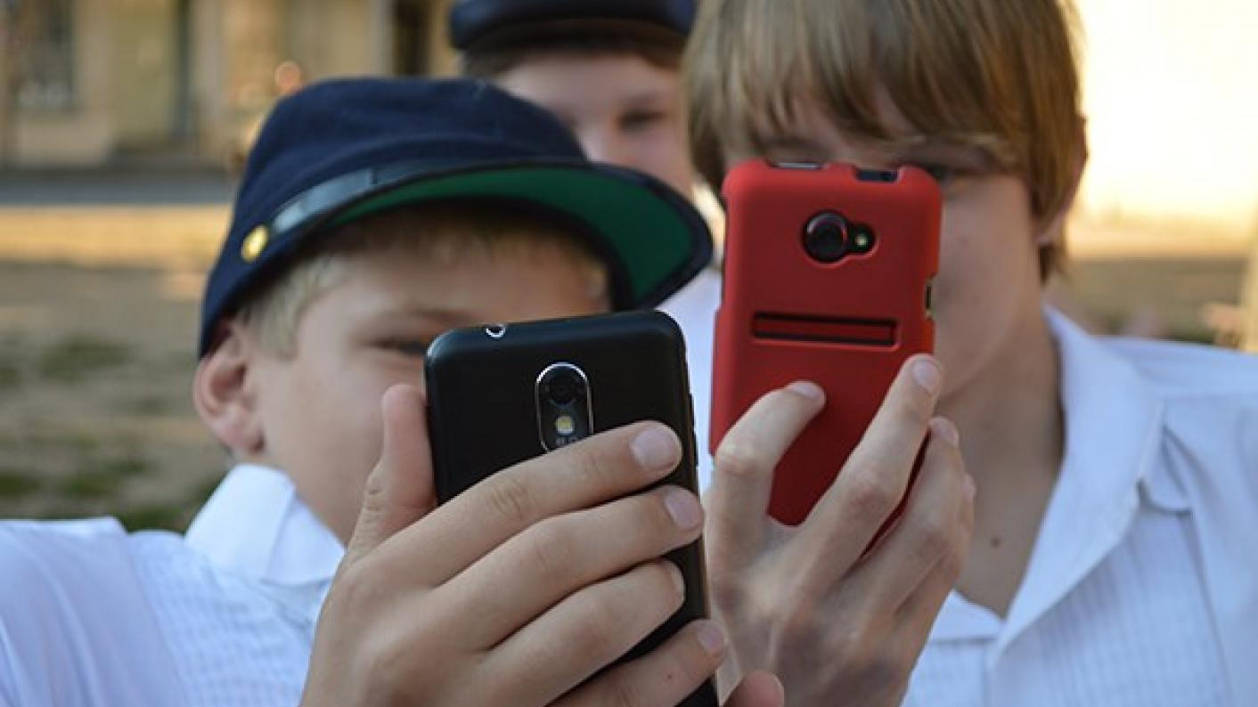 Teachers alone won't be able to tackle pupils' addiction of their phones, says Richard Bromfield