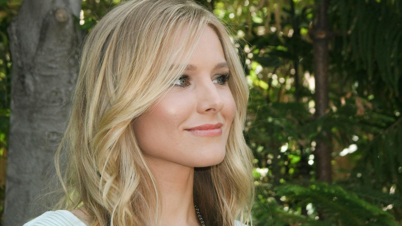 Hollywood star Kristen Bell has asked her Instagram followers to help teachers in disadvantaged schools