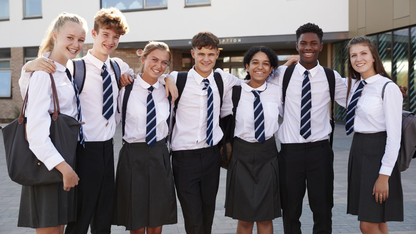 The government is backing a parliamentary bill to cut the cost of school uniforms