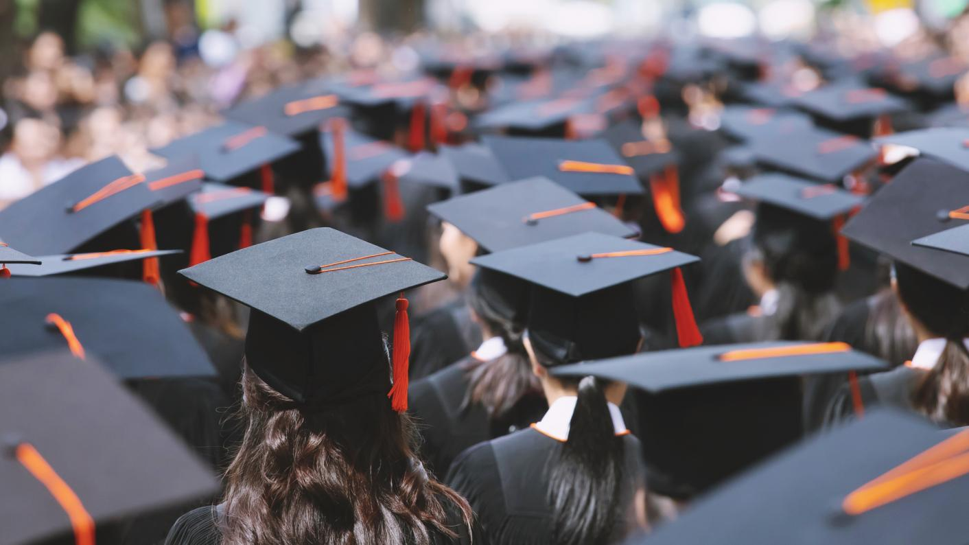 Universities should not change their existing offer to prospective students until 20 April, the universities minister has urged