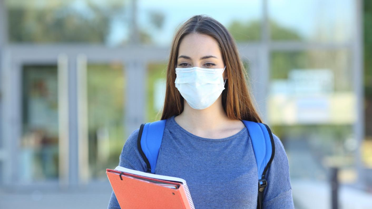 Person wearing face mask during Covid-19 crisis