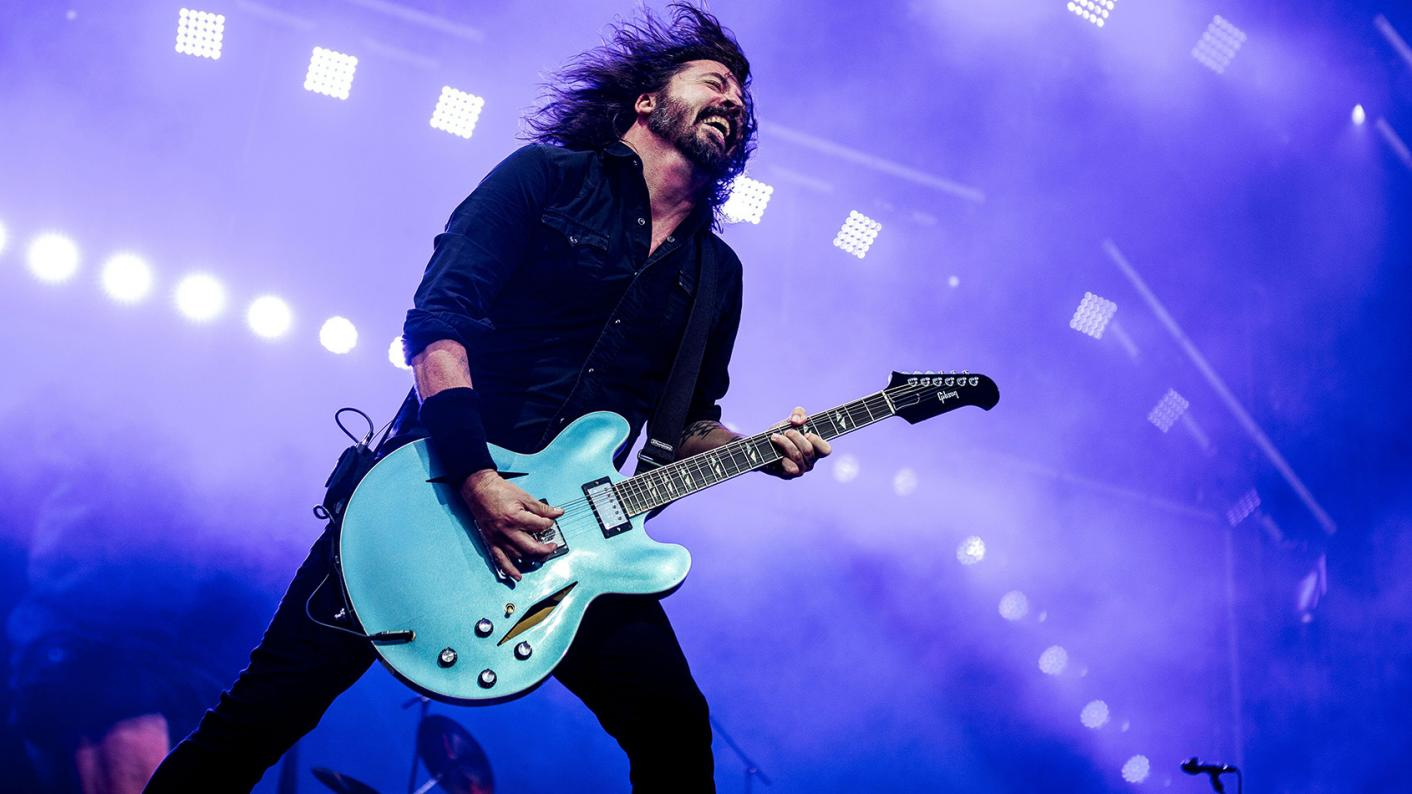 Dave Grohl, playing the guitar