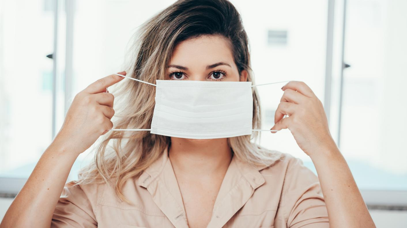 Coronavirus: How effective are face masks in schools?