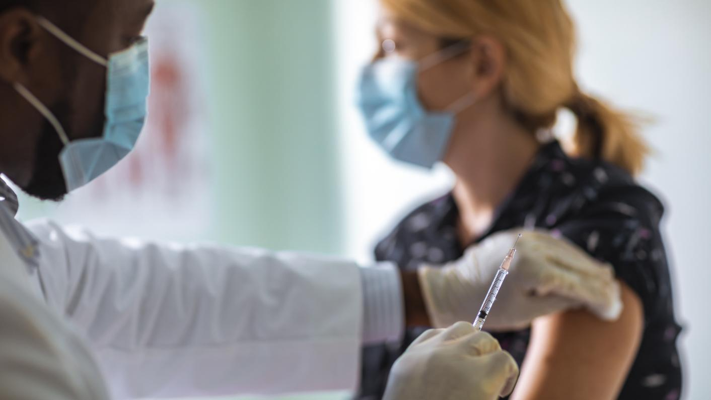 Covid: Should teachers be vaccinated before schools reopen?