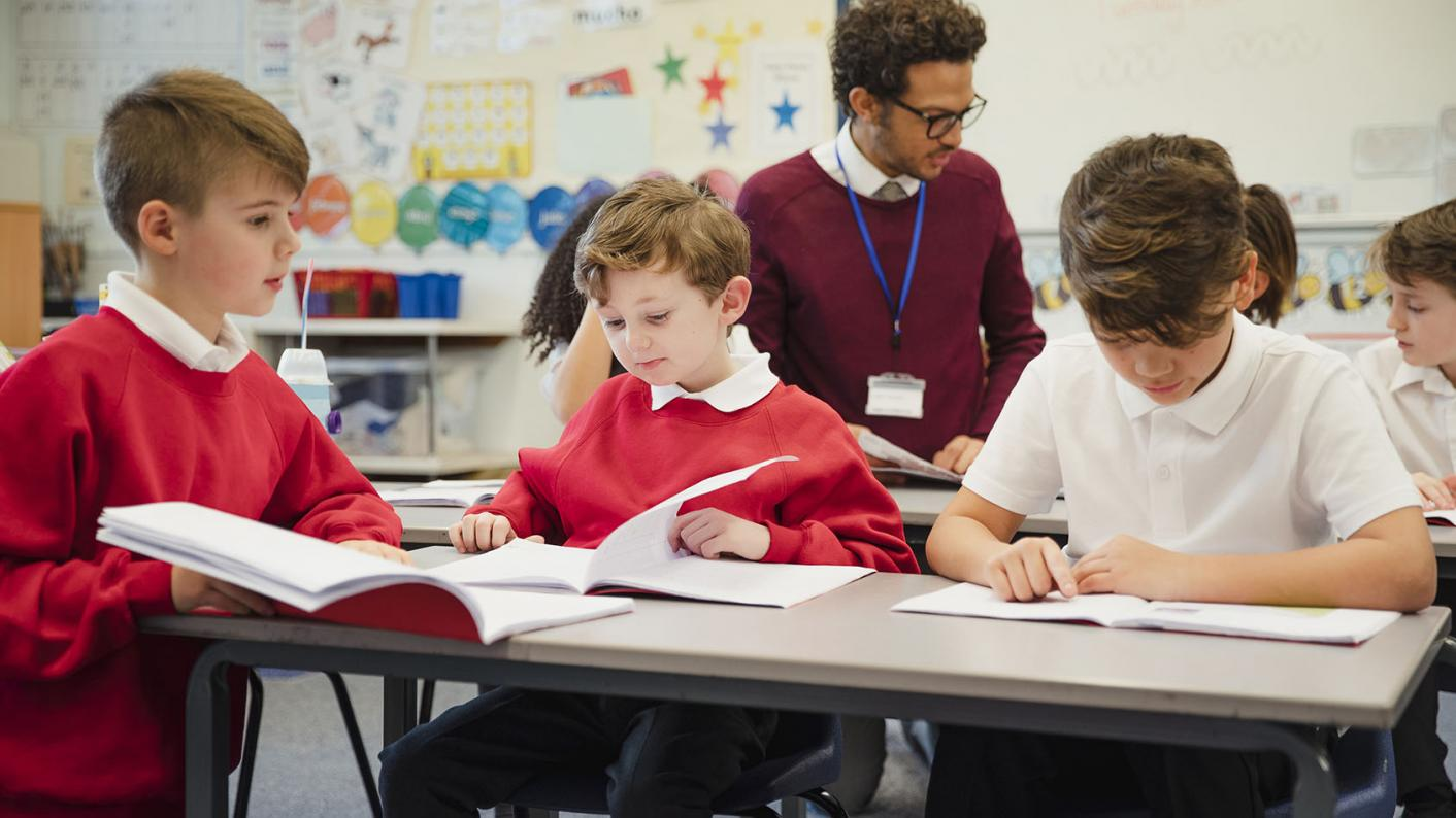 Teachers, schools and education news LIVE