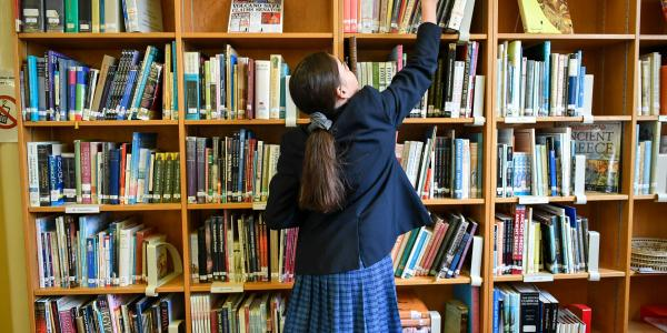Lack of school libraries 'a social mobility time bomb'